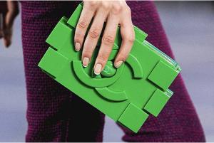 OOOO! Chanel Lego clutch